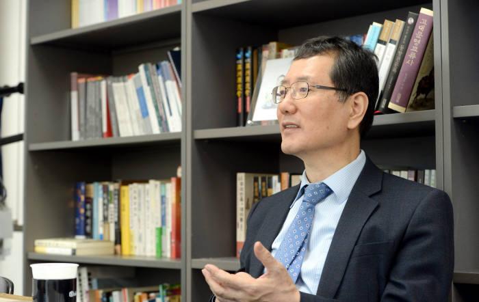 이민화 KCERN(케이썬) 이사장