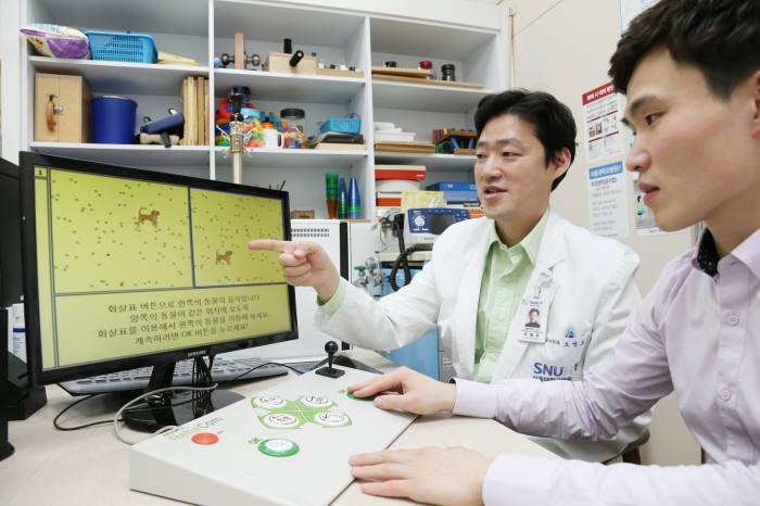 서울대병원 뇌진탕클리닉에서 의료진이 환자를 진료하고 있다.