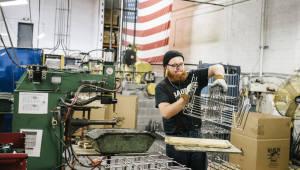 "WSJ ""외국 로봇이 미국 공장을 공습"""