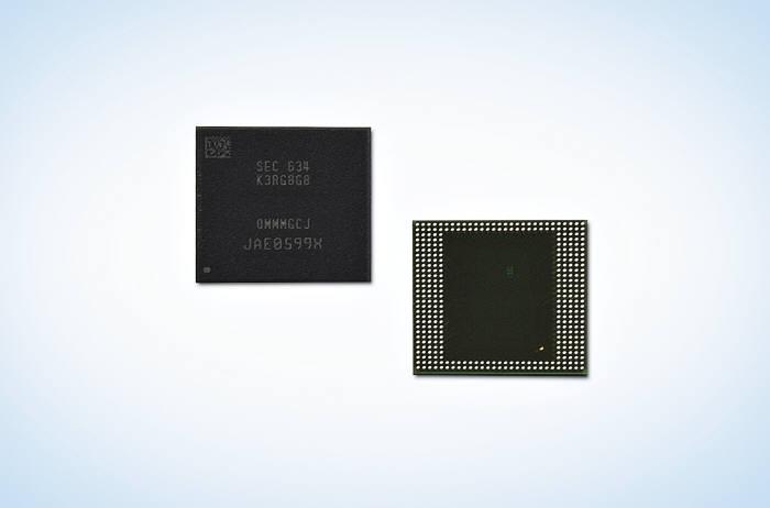 삼성전자가 지난해 선보인 8GB LPDDR4 모바일 D램. 패키지 속 D램 칩(Die)은 18나노 공정으로 만들어졌다. 삼성전자는 추후 17나노, 16나노 순으로 공정을 업그레이드해 나갈 계획이다.