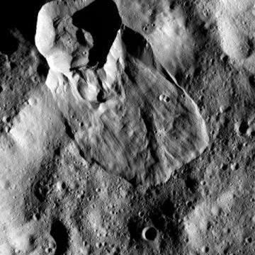 세레스 소행성의 산사태 모습(사진=NASA)