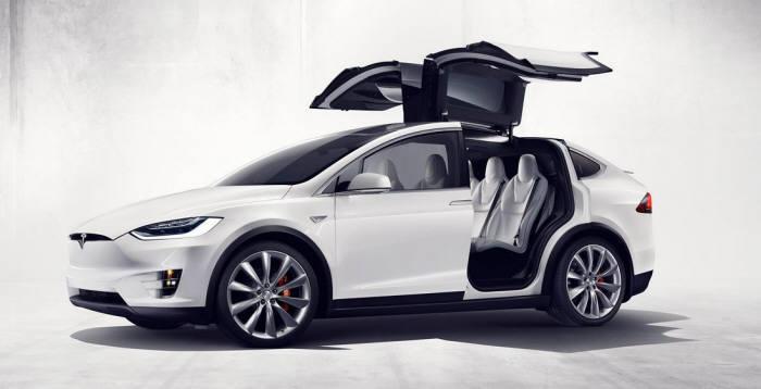 테슬라 대형 SUV 전기차 '모델X'