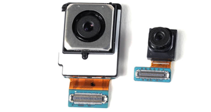 갤럭시S7 후면 카메라(왼쪽)와 전면 카메라(출처: 삼성전자)
