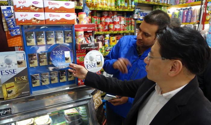 이란 현지 KT&G 에쎄 판매점 모습. 사진=KT&G 제공