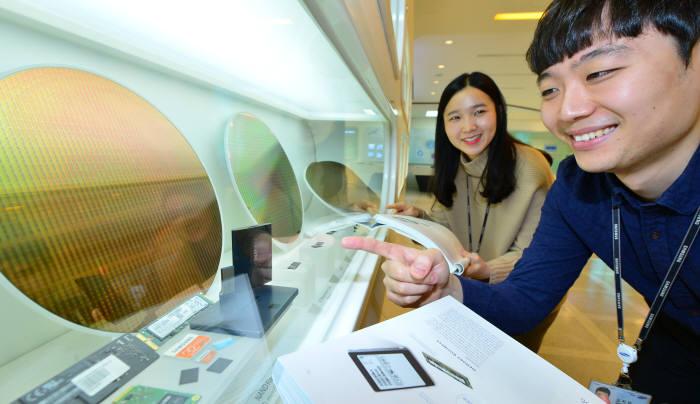 삼성전자, 2분기 세계 영업이익 1위 예약…애플, 인텔, FANG 다 제친다