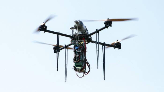 자이언트드론이 개발한 수소연료전지 드론. 오는 10월께 2시간 이상 비행이 가능한 드론을 개발할 계획이다.