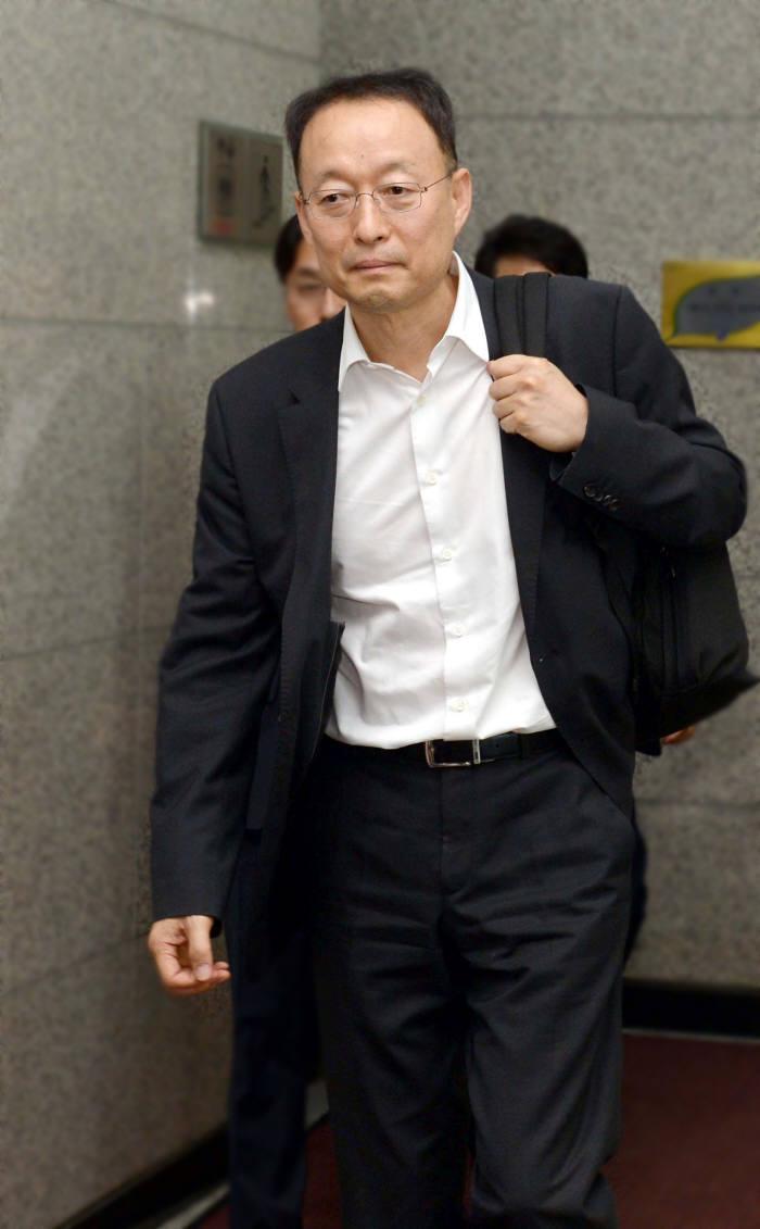 백운규 산업장관 후보자, 코스닥 상장사 '티씨케이' 사외이사 사임