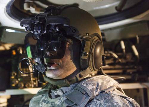 이스라엘군이 도입을 추진하는 '아이언비전' 스텔스 헬멧(사진=엘빗시스템스)