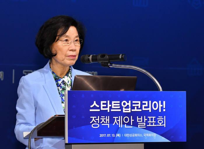 """규제에 발목잡힌 한국 스타트업...""""투자유치 상위 스타트업 70% 한국서 위법"""""""