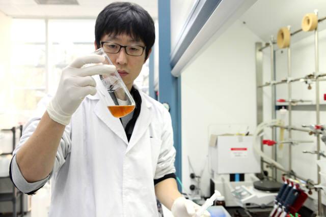 국산 신약 1인자인 동아쏘시오그룹의 신약 개발 모습. 사진=동아쏘시오그룹 제공