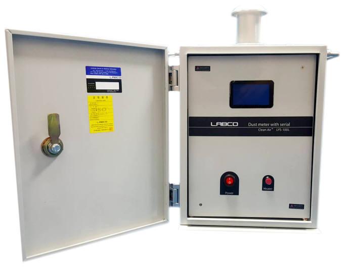 랩코가 광산란 방식을 이용해 출시한 옥외용 미세먼지 측정장비 제품.