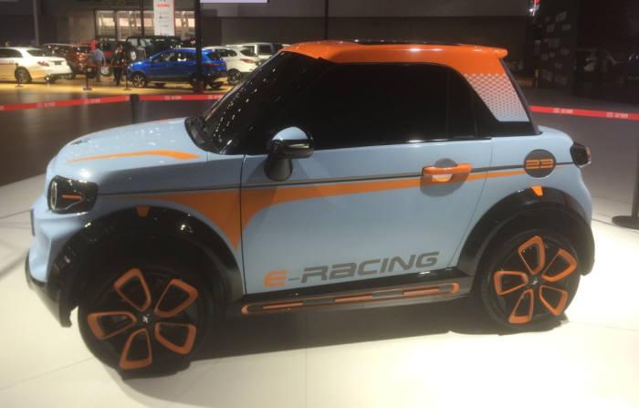베이징모터스가 다음달 출시하는 초소형 전기차 'Arcfox1'. 이 차는 국산 배터리를 달고 오는 9월부터 한국 시장 인증 작업에 들어간다.