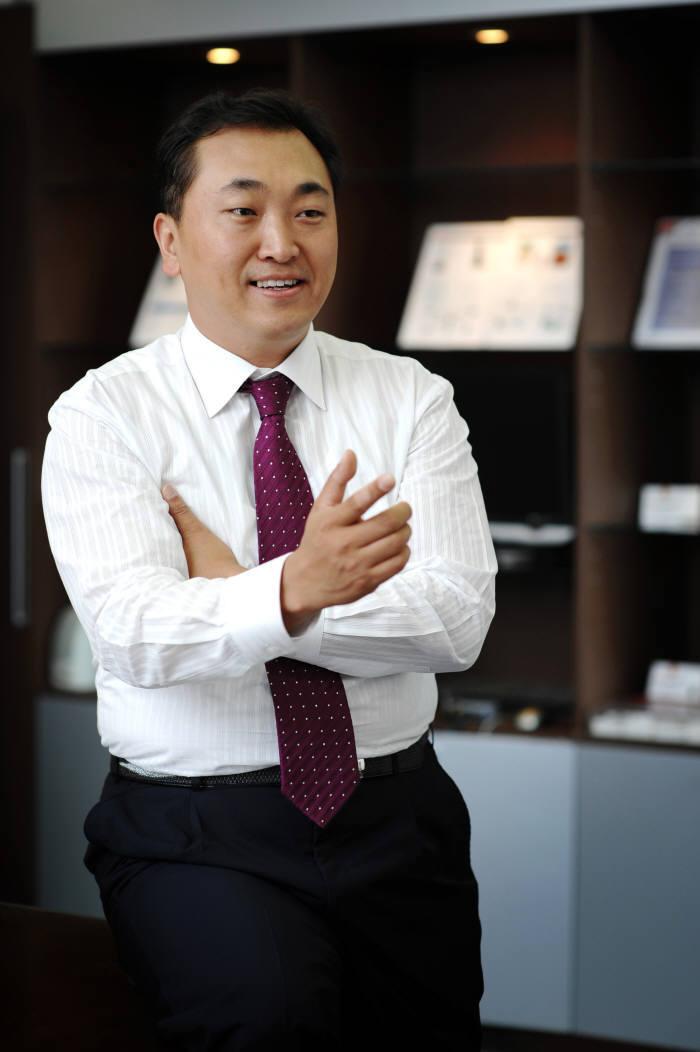 민동욱 엠씨넥스 대표