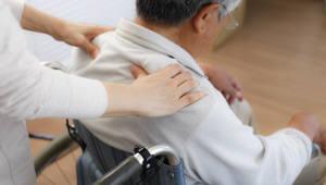 시행 1년 치매 전담 요양기관제, 실효성 의문..국가 치매 이니셔티브 수립 시급