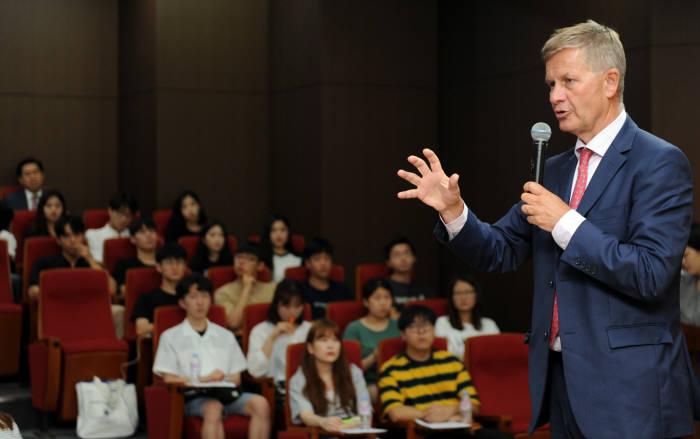 에릭 솔하임 유엔환경계획 사무총장.