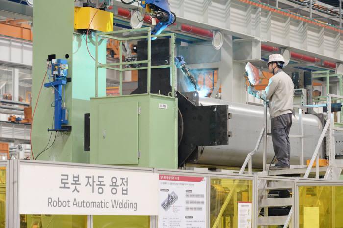 LG전자 산업용 공조시스템 칠러 생산라인 모습