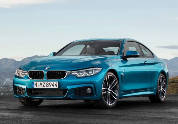 BMW 뉴 4시리즈 쿠페의 정측면 모습. 전면 공기 흡입구 디자인을 변경하고, LED 방식의 신형 헤드램프를 장착해 날렵함을 강조했다.