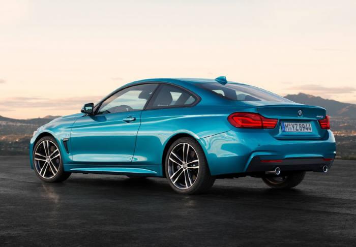 BMW 뉴 4시리즈 쿠페의 측후면 모습. 전고를 기존 모델보다 40mm 낮추면서 무게 중심도 낮아졌다.