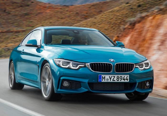 BMW 뉴 4시리즈 쿠페의 주행 모습. 시승차인 420i 쿠페는 2.0리터 직렬 4기통 트윈파워 터보 가솔린 엔진을 탑재했다.