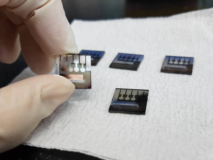 김진영 UNIST 교수팀이 개발한 고효율 적층형 태양전지 출처 : UNIST