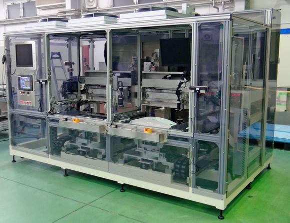 스크린홀딩스는 차량용 유기발광다이오드(OLED) 생산장비를 공개했다.(자료 : 닛케이 아시안리뷰)