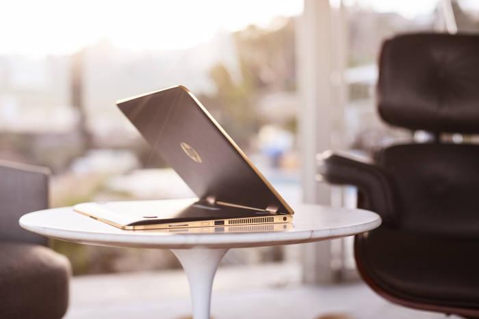 'HP 스펙터 x360'은 1세대보다 뛰어난 스펙으로 새로운 경험을 가능하게 하는 노트북이다. 사진=HP코리아 제공