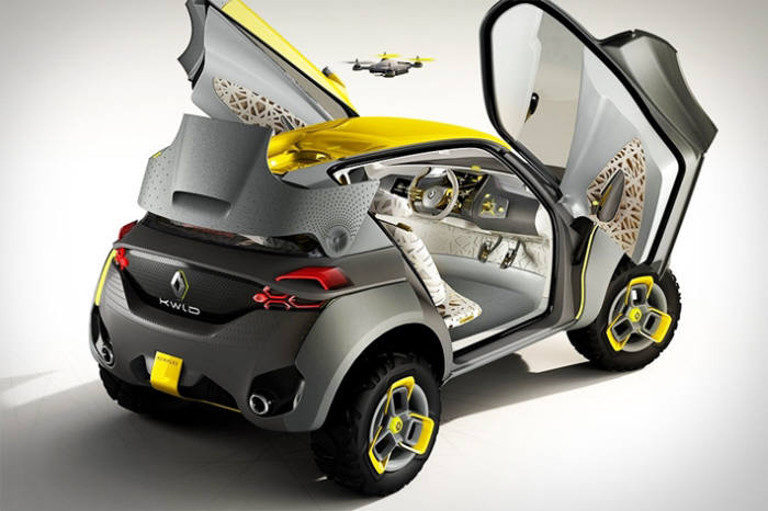 르노의 컨셉트카 '크위드(KWID)'. 무인정찰기가 공중에서 교통 상황 등을 실시간으로 인근의 자동차에 전달, 안전하고 효율적인 운행을 돕도록 설계됐다.