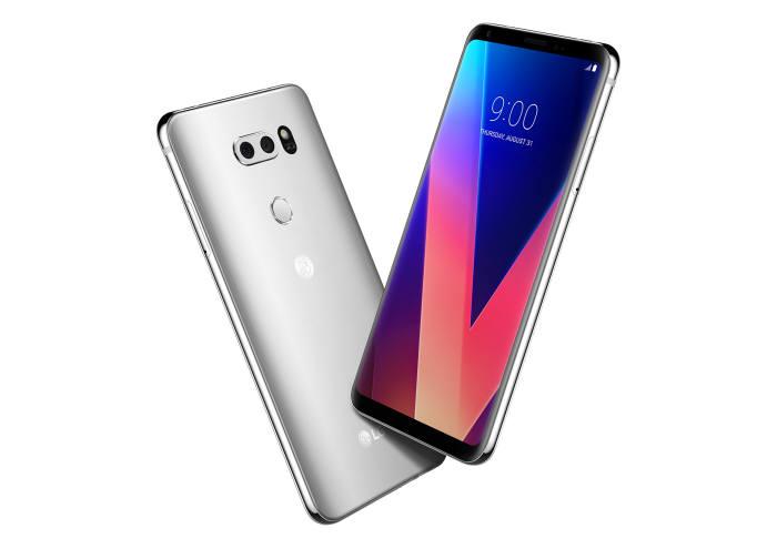 LG V30 스마트폰.