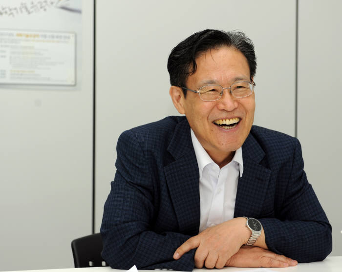 유장렬 한국과학기술한림원 과학기술유공자지원센터장