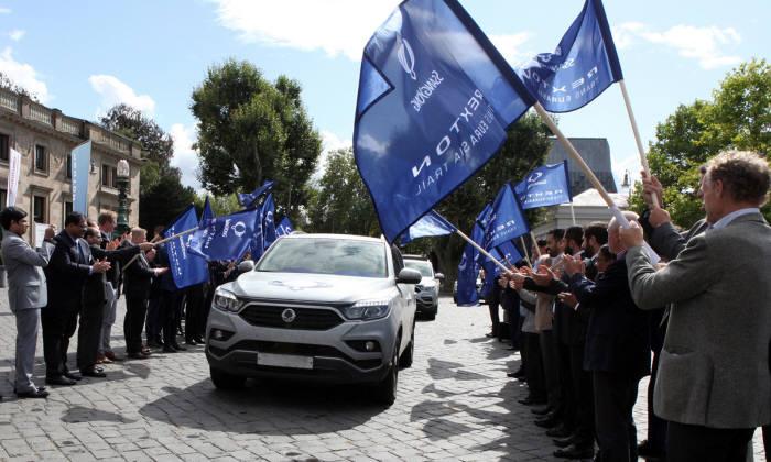 쌍용자동차 'G4렉스턴'이 유라시아 1만3000km 구간 횡단에 완주했다.