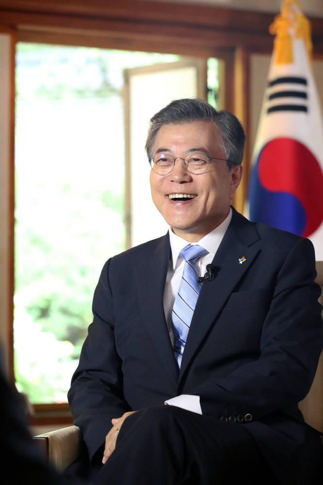 文 대통령, 美 아틀란틱카운슬 '세계시민상' 수상…첫 한국인 수상