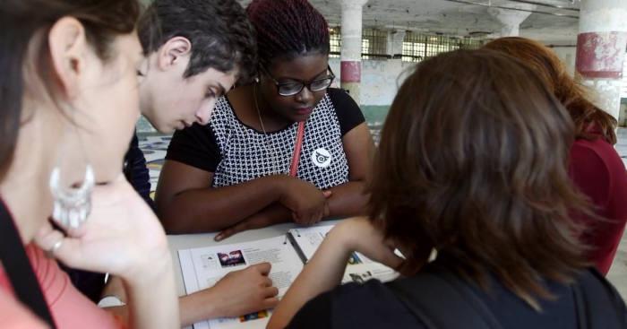 샌프란시스코에 머문 첫 학기, 학생들이 투표로 결정한 알바트로스 섬으로 견학을 간 모습. 제공=미네르바스쿨