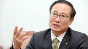 국회 상임위원장 인터뷰<4·끝>홍영표 환경노동위원장
