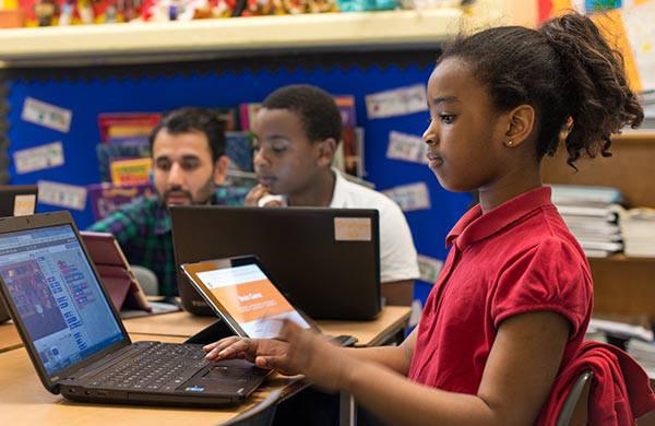 코드클럽에서 코딩을 배우는 학생들 모습. 출처=코드클럽