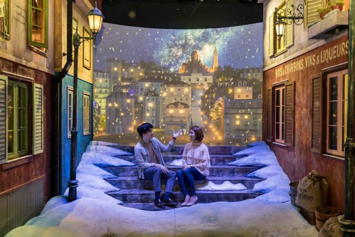 맥키스 컴퍼니가 문을 여는 '라뜰리에'의 내부 모습. 19세기 프랑스 건축모형과 첨단 3D 영상을 융합해 새로운 체험형 공간을 구현했다.