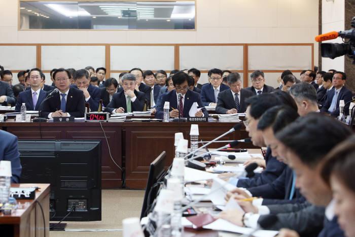 2017 국회 안전행정위원회 국정감사 모습