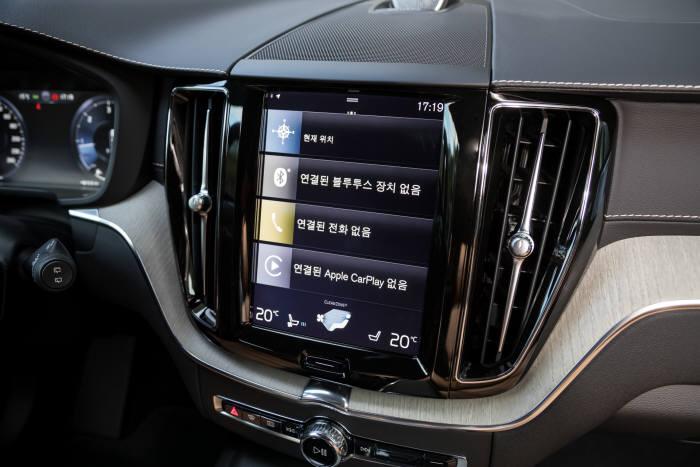 볼보자동차 '더 뉴 XC60' 센터콘솔 디스플레이.