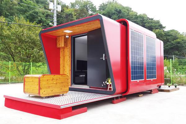 이솔테크가 경기도와 11월 말까지 10채를 납품하기로 계약을 체결한 에너지 절감형 이동식 주택.
