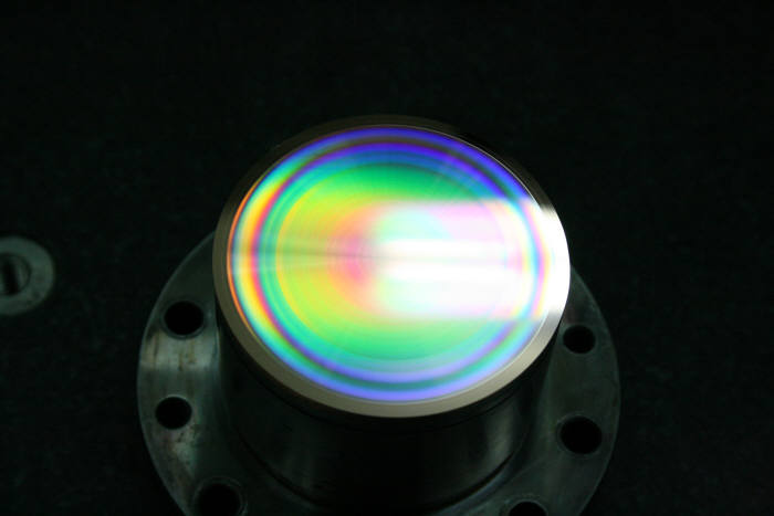 미세패턴 가공을 한 렌즈의 모습