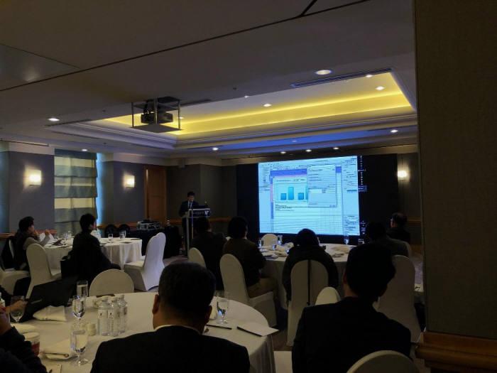 피앤디솔루션과 프리즘엠아이텍은 JW메리어트호텔에서 '파인리포트(Fine Report)' 출시 고객 행사를 개최했다.