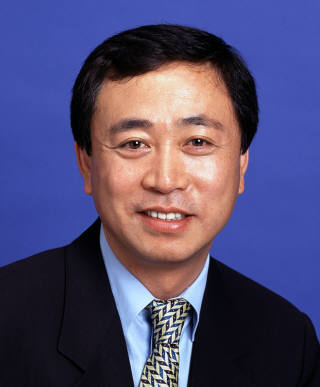 코오롱그룹, 젊은 CEO로 '세대교체'…오너 4세 이규호 상무 승진