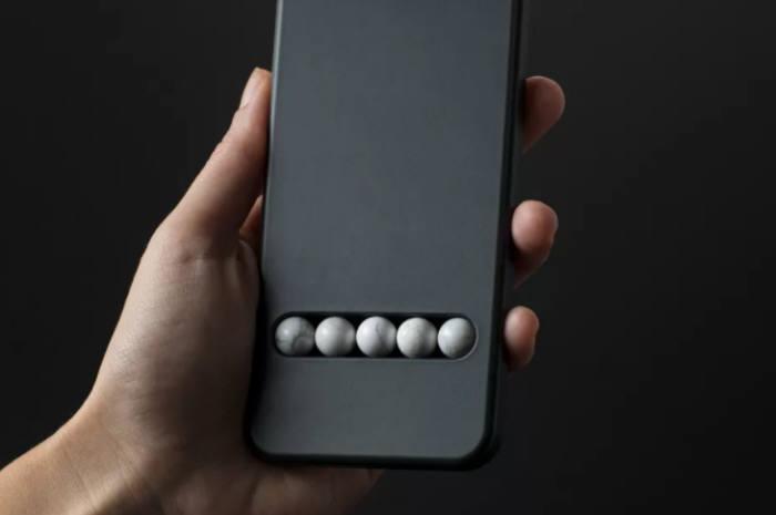 스마트폰 중독 현상을 막아주는 신개념 디바이스가 등장했다. / 사진=더버지