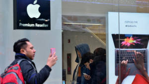 """애플 """"韓이통사, iOS용 개통시스템 만들어라"""""""