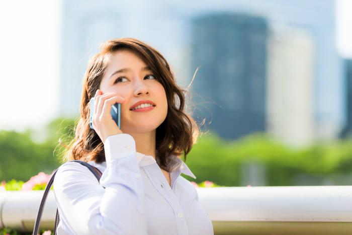 최근 다양한 스마트폰이 등장하면서 소비자가 선택에 어려움을 겪고 있다. 스마트폰을 선택할 때는 가격부터 기능까지 하나하나 따져봐야 한다. 사진=게티이미지 제공