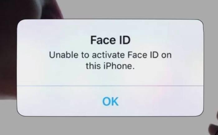 미국 정보기술(IT) 전문매체 나인투파이브맥은 애플이 2일(현지시간) 배포한 신형 운용체계(OS) iOS 11.2 업데이트를 실시한 이후 일부 아이폰X에서 페이스ID가 작동하지 않는 오류가 다수 보고됐다고 보도했다.