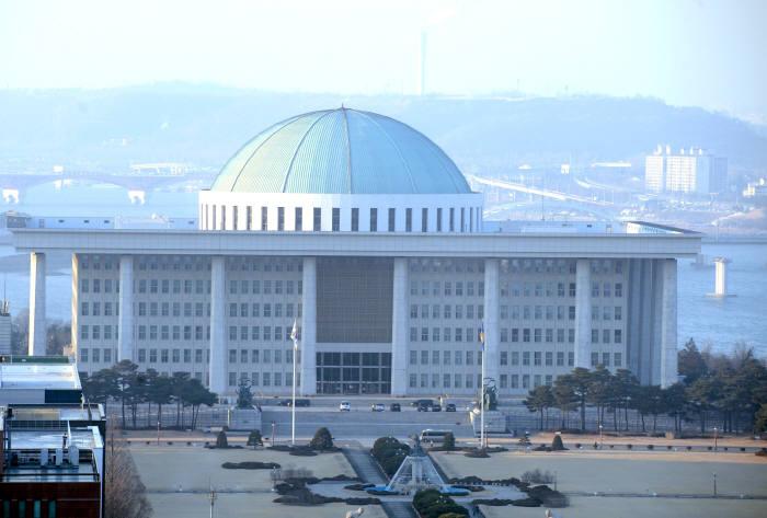 서울 여의도 국회의사당. 박지호기자 jihopress@etnews.com