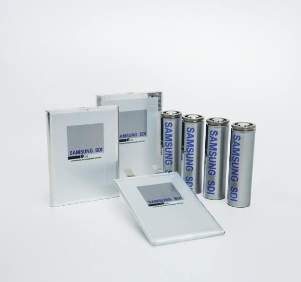 삼성SDI 소형 배터리 제품군 <사진=삼성SDI 홈페이지>