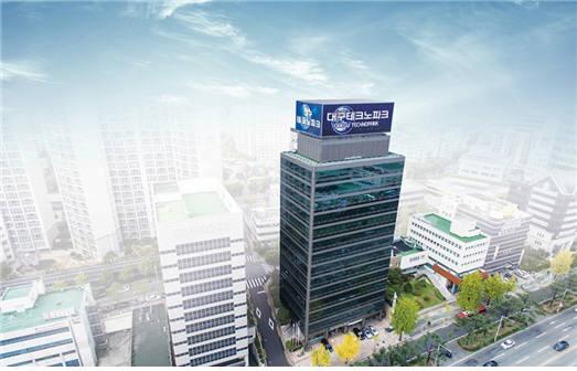 대구테크노파크가 4차 산업혁명에 선제적으로 대응하기 위한 전담테스크포스팀인 융합전략기획단을 발족했다. 사진은 대구벤처센터 건물 전경.