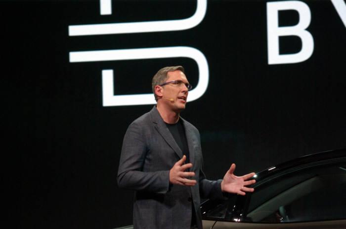 다니엘 키르케르트 바이튼 사장 겸 공동 창업자가 바이튼 전기차에 대해 설명하고 있다. 류종은 기자 rje312@etnews.com