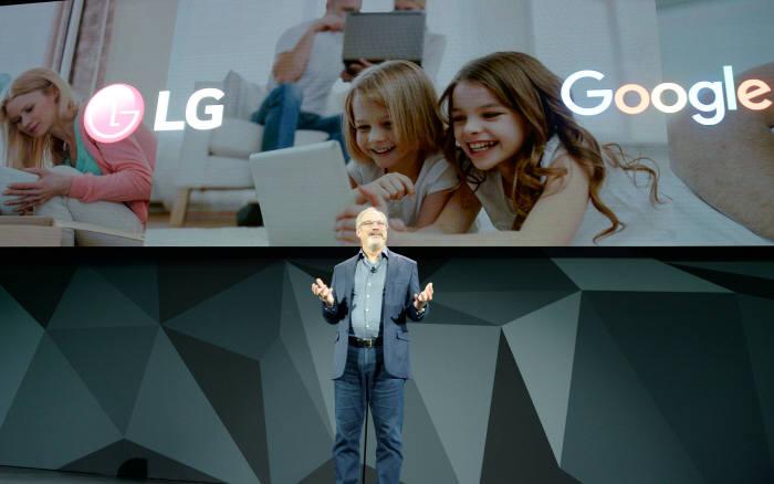 [CES 2018]인공지능과 연결 확대…삼성-LG가 던진 화두